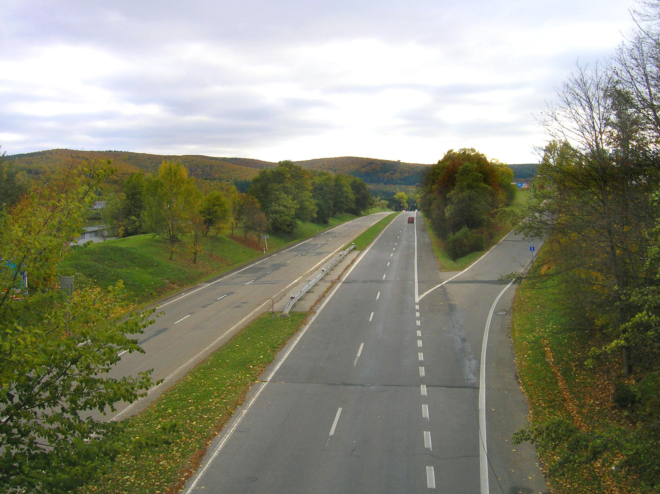 Část dálnice z Hitlerova projektu. Později byla použita jako Stará dálnice nacházející se u sídliště Bystrc v Brně, využívá se jako silnice III. třídy.