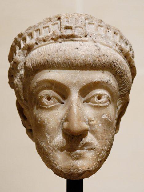 Římský císař Theodosius II zakazuje pohanské slavnosti včetně olympijských her.