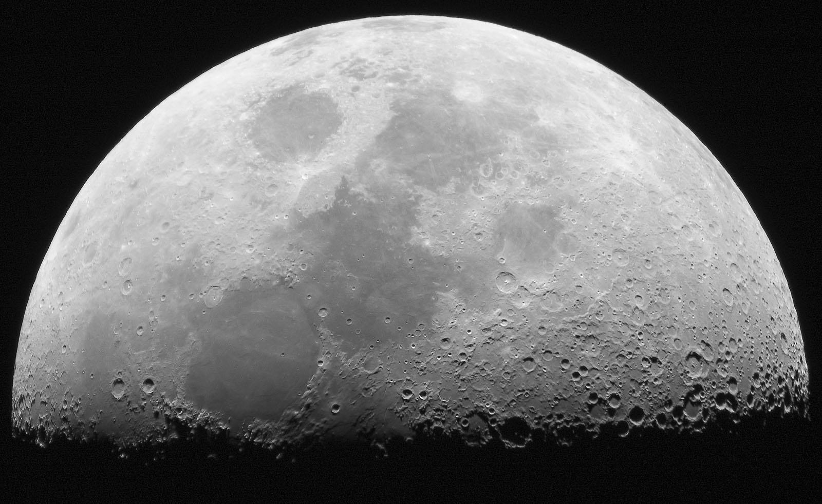 0 - Od roku 1972 Měsíc čeká na lidskou společnost.