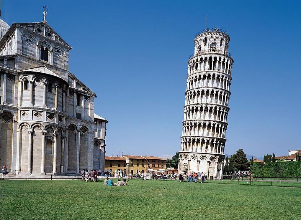 01 Jedna z nejslavnějších italských památek - věž v Pise