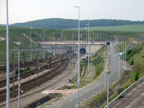 Foto: Eurotunel: Suchou nohou na Britské ostrovy!