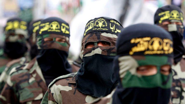 Islamic Jihad Miltants pray during a Rally in Gaza city © Suhair Karam/IRIN
