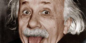 Albert Einstein (1879-1955) physicien americain d'origine allemande auteur de la theorie de la relativite gravitation physician tirant la langue, la photo a ete prise le 14 mars 1951 elle a ete distribuee pour les 72 ans d'A. Einstein ---  Albert Einstein (1879-1955) american physicist (german born) sticking his tongue out, the picture was taken on march 14, 1951 and distributed for his 72nd birthday colorized document