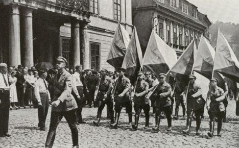 Foto: Němečtí antifašisté z Republikanische Wehr: Věrnost za věrnost!