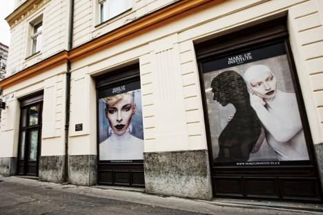 Make-up Institute sídlí v pražských Vinohradech.