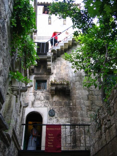 Obyvatelé Korčuly bezmezně věří, že Marco byl jejich krajanem.