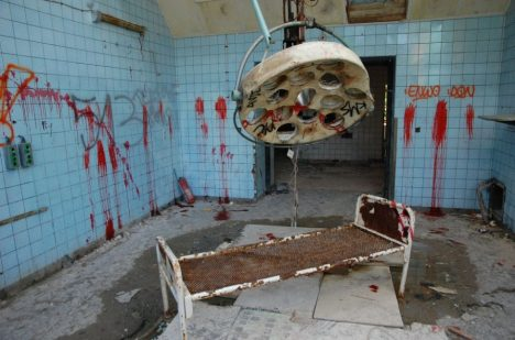 Foto: Strašidelná nemocnice Beelitz v Německu: Odvážíte se ji navštívit?