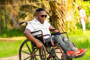 Jak pomoci ochrnutým opět chodit?