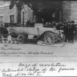 Auto s pásy a lyžemi. Ruský car nejspíš vlastnil první terénní vůz na světě