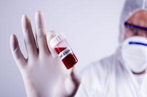 279201-ebola-700