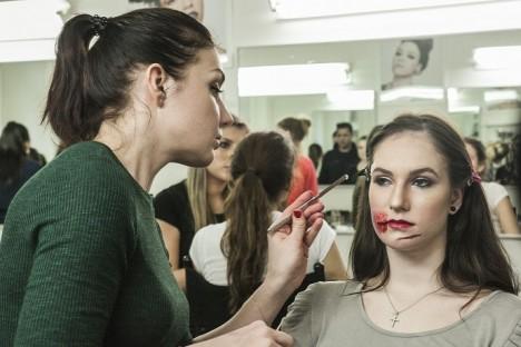 Rádi byste se naučili filmový make-up? Teď máte možnost.