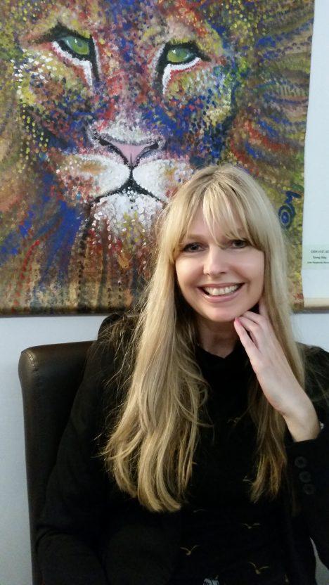 """""""Naším typickým zákazníkem jsou především ženy nad 30 let, které si žádají kvalitní a hlavně účinné přípravky,"""" vysvětluje Ing. Hana Pospíšilová, Brand Director Zepter Cosmetics & Luxury pro Českou republiku a Slovensko."""