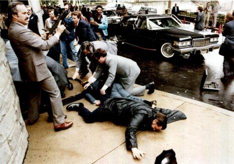 Foto: Psychopat John Hinckley: Kvůli herečce Fosterové postřelí prezidenta!