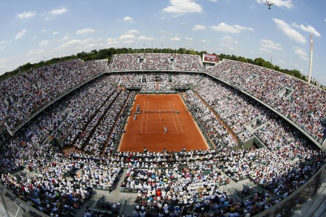 A general view takent during the French tennis Open men's final match between Serbia's Novak Djokovic and Spain's Rafael Nadal at the Roland Garros stadium in Paris on June 8, 2014. AFP PHOTO / PATRICK KOVARIK
