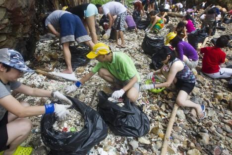 Hong Kong beach clean