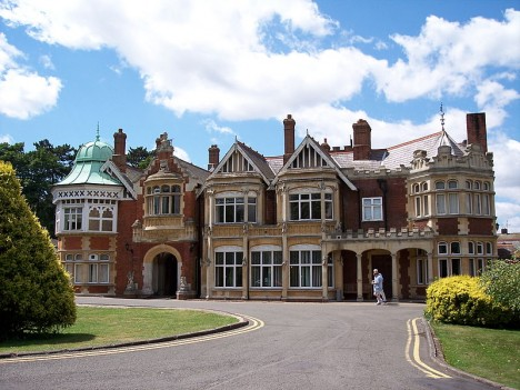 800px-Bletchley_Park_-_Draco2008