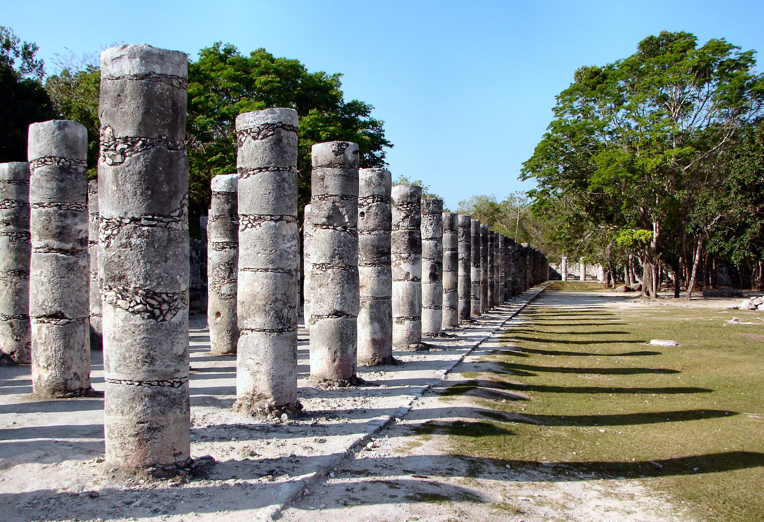 Archeologové si nejsou zcela jistí kdo a kdy postavil toto fascinující město
