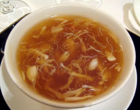 Chinese_cuisine-Shark_fin_soup-05