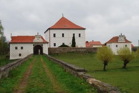 Dnešní rekonstruovaná podoba Krčínova obydlí  ve středočeských Křepenicích. Má zde vzniknout i rybníkářovo muzeum.
