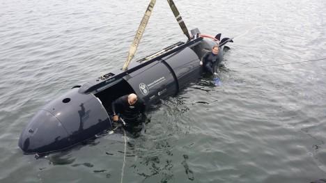 Robotická ponorka Proteus dokáže pod hladinou urazit vzdálenost 600 kilometrů a unese na palubě sedm vojáků.