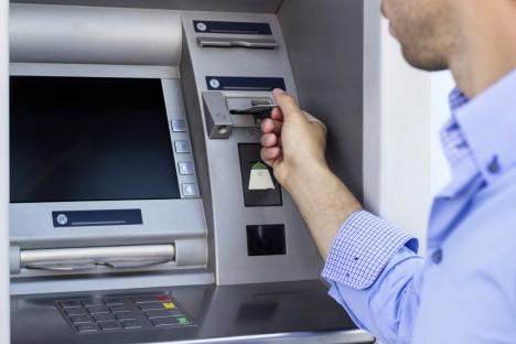 Na území EU se loni odehrálo 5600 případů nezákonného zkopírování údajů z platební karty. Podvodníci připravili majitele účtů zhruba o 6 miliard korun.