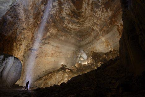 Foto: Takhle vypadá největší podzemní síň světa: Pohodlně by spolkla idopravní letadlo!