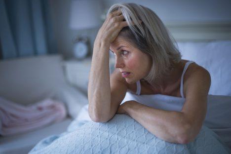 Nedostatek spánku s sebou přináší únavu, podrážděnost, psychické napětí, nesoustředěnost, poruchy paměti i nálady.