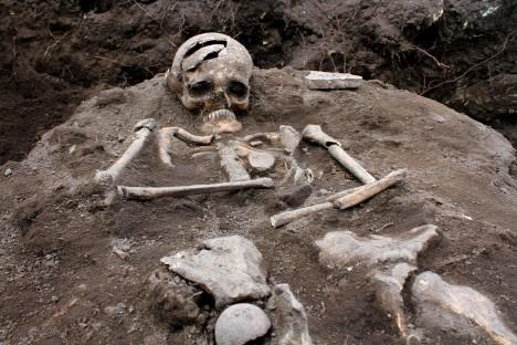 Vykopávky v pohřebištích ukazují, že zdejší skalní pevnost byla nejspíše i sídlem králů a byla i kultovním centrem orfismu.