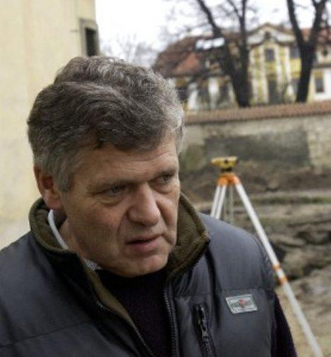 Foto: Legendární Čelákovice: Opravdu jsou zde pohřbeni upíři?