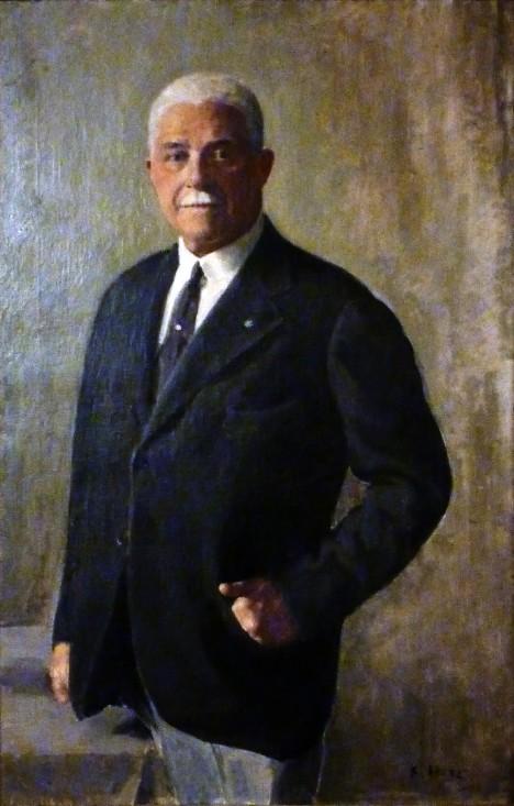 Maxmilián Egon II. Fürstenberk prodává svoje sídlo československému státu.
