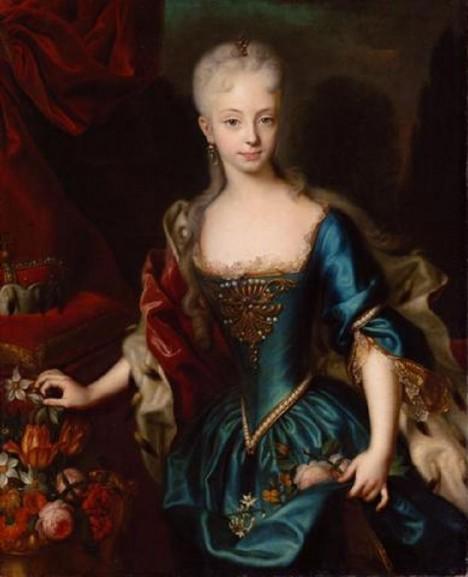 Mladá Marie Terezie s oblibou nosí modré šaty.