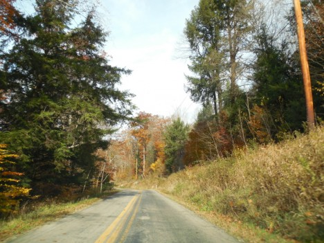 Stará silnice má stovky kilometrů a vede přes řadu odlehlých míst.