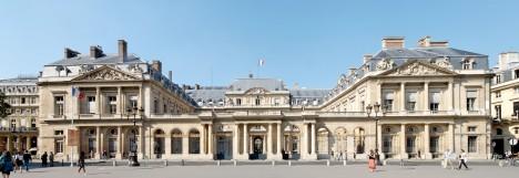 Restaurace sídlící v pařížském Královském paláci začala v 19. století servírovat menu pro každého zvlášť.