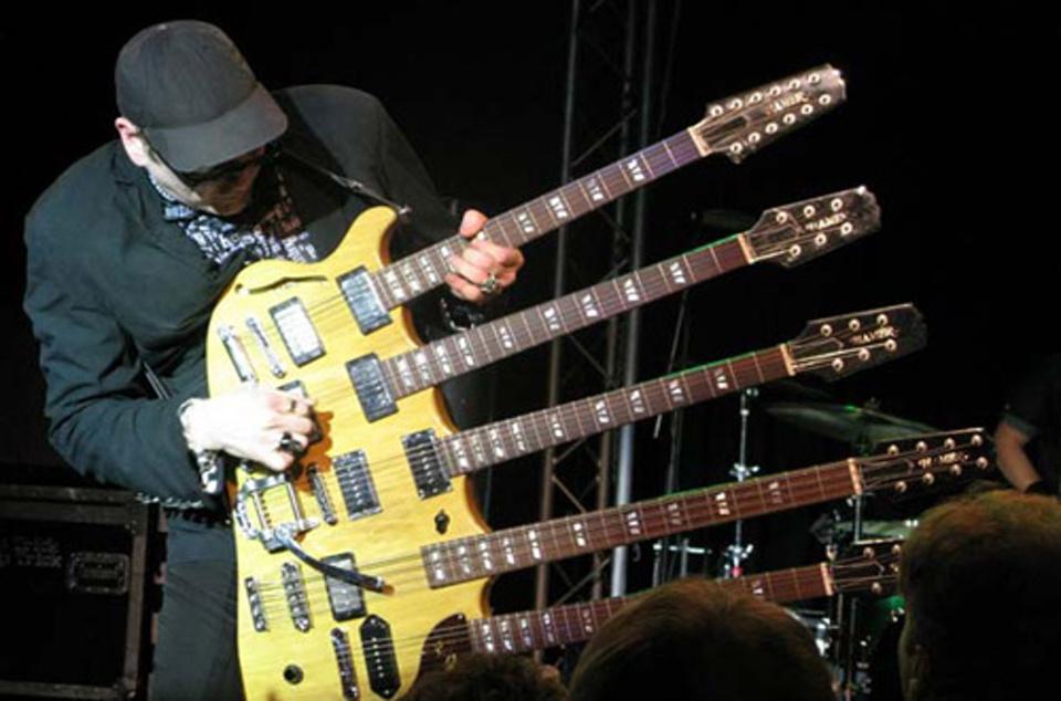 Rick-Nielsen-Four-Neck-Guitar