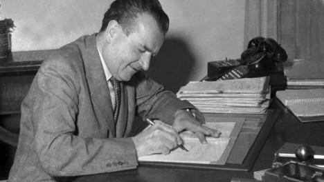 S komunistou Klementem Gottwaldem si generál za 2. světovém války občas dopřál partičku karet.