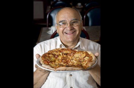 Foto: Ananas ano, či ne? Zemřel tvůrce kontroverzní pizzy!
