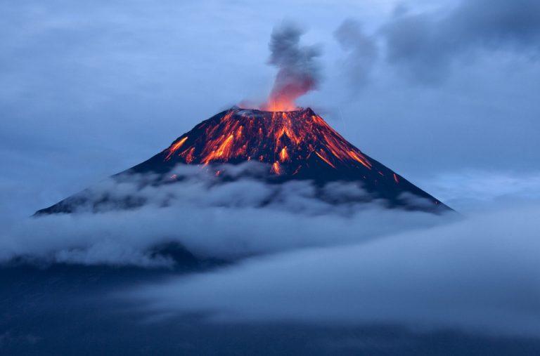 Tungurahua-Volcano-Erupt0316