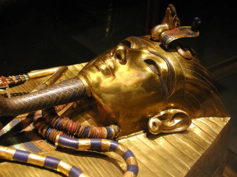 Tutanchamonovu hrobku objevil v roce 1922 britský archeolog Howard Carter