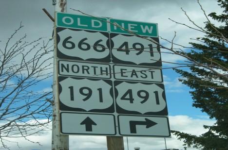 Po přejmenování silnice se prý počet nehod trochu snížil. Je snad kletba zlomena?