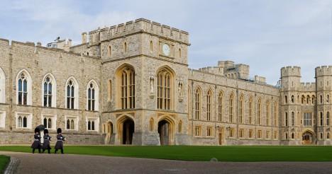 Vysoké hradby odolají i dlouhému obléhání za války krále s anglickými barony v roce 1214.