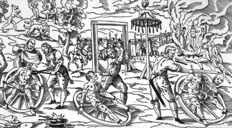 Vytrhávání masa a lámání v kole, takový trest čeká usvědčené vrahy.