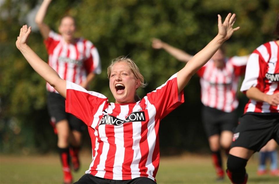 Young woman - goal celebration
