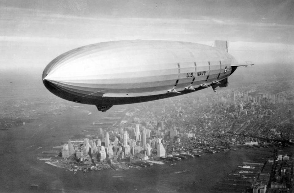 Zeppelin-Sofa-Mukomelov-7-original-600x465