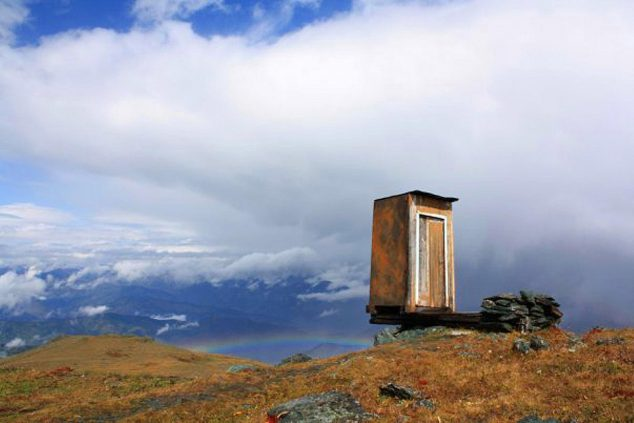 an-extreme-toilet-at-the-remote-kara-tyurek-weather-station-in-siberia-russia