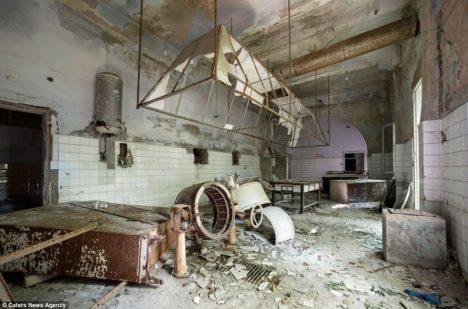 Uvnitř sanatoria je to dnes opravdu strašidelné.