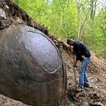 Záhada: Archeolog našel obří kouli!