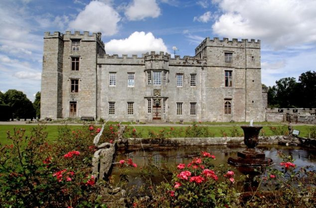 chillingham-castle-gardens-fountain-4258276
