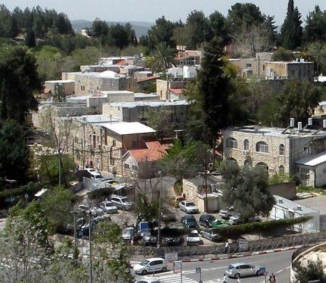 Foto: Kdy ulicemi palestinské vesničky Dejr Jásin tekla krev nevinných?