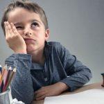 Školní rok na obzoru: Co musí váš prvňáček umět?