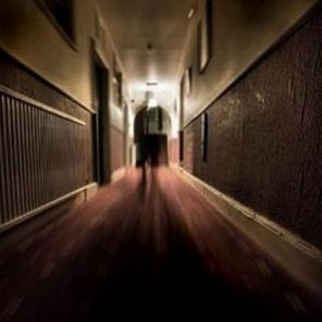 duch v hotelu
